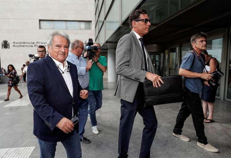 Alfonso Rus entrando a la Ciudad de la Justicia de València. EFE/Manuel Bruque/Archivo
