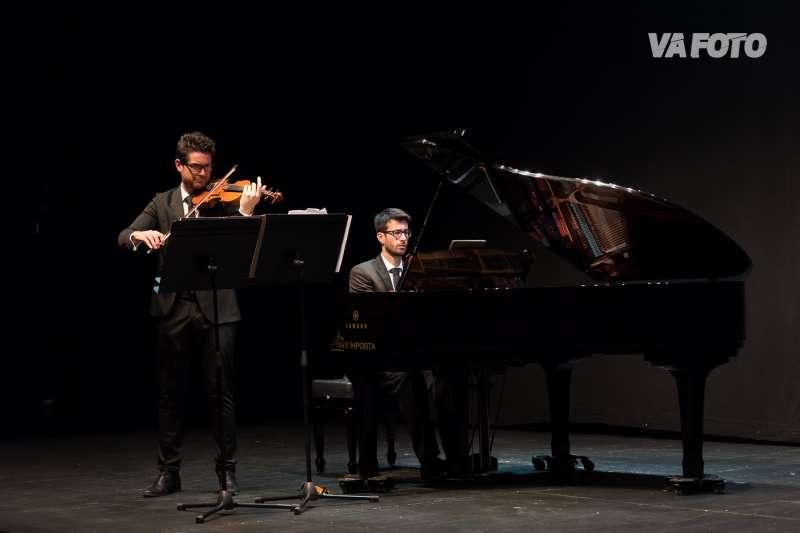 Un momento de la actuación. Fotos: VA FOTO (Octavio Juan Tejedor y Cristina Carreño)