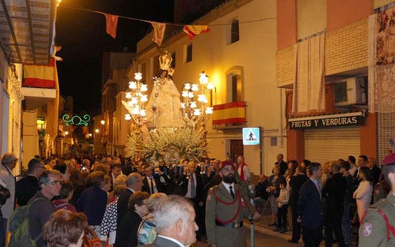 La Virgen de Gracia procesionando por las calles de Altura