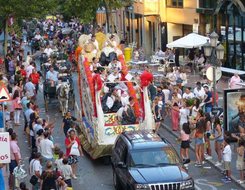 Cabalgata de las fiestas de Santa Ana en Albal. EPDA