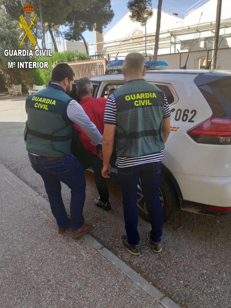 Momento de la detención en Carcaixent. -EPDA