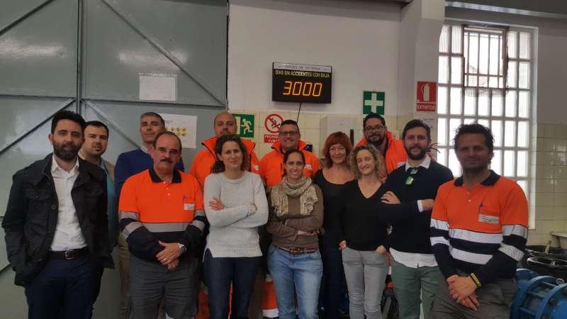 Trabajadores de Aigües de Paterna que celebran los 3.000 días sin accidentes con baja