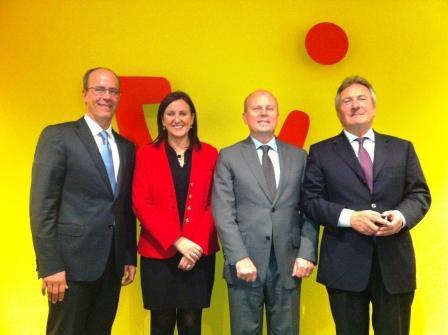 Los consellers Buch y Catalá con los representantes del grupo TUI AG. Foto EPDA