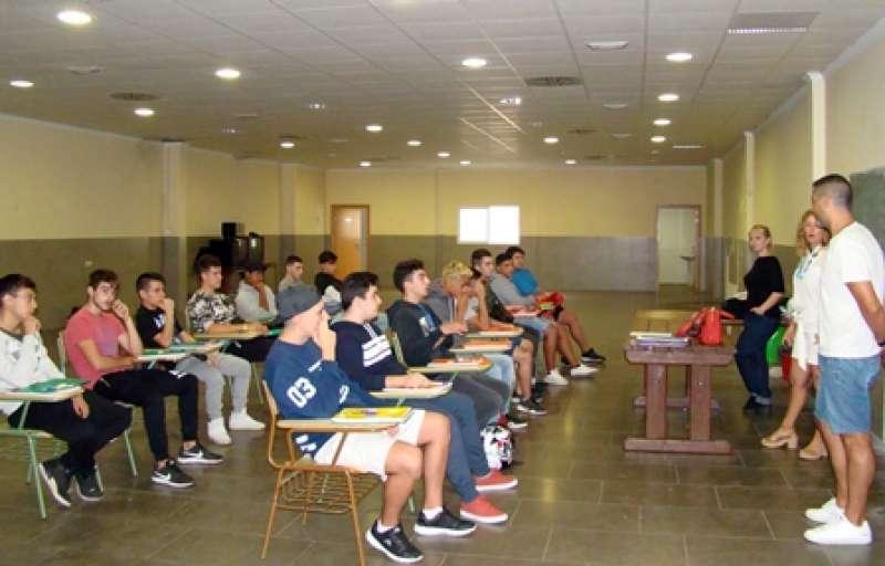 Hui han començat les classes dels programes formatius. EPDA