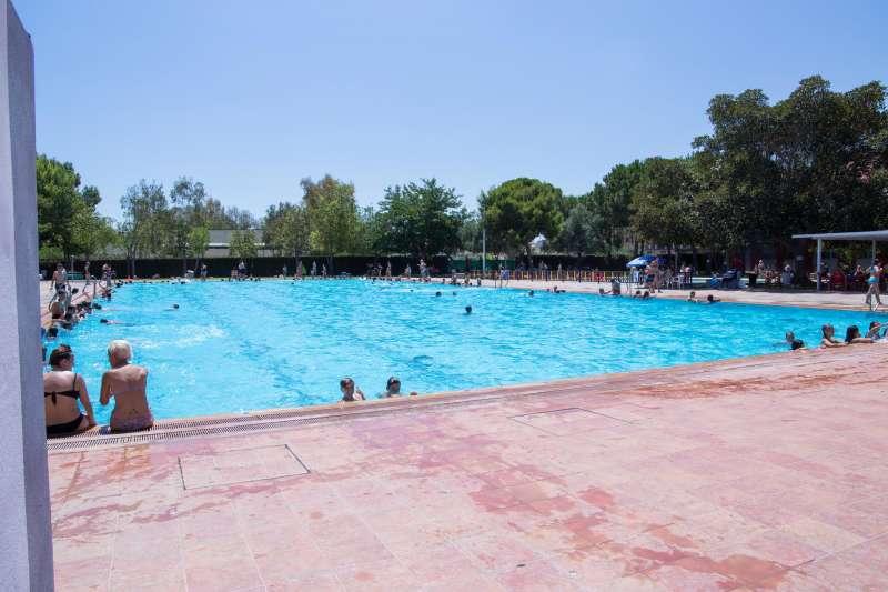 la bibliopiscina de mislata vuelve a dar su servicio en la On piscina mislata