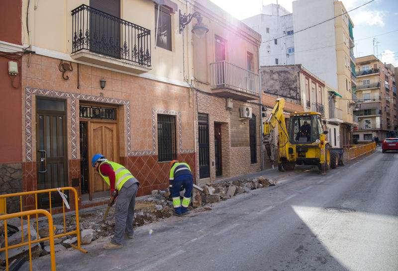 Arreglo de aceras en las calles de Mislata. EPDA