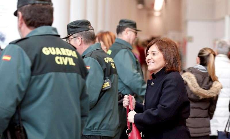 La presidenta del PP de la Comunitat Valenciana, Isabel Bonig, a su llegada, ayer, a la Ciudad de la Justicia de Valéncia. EFE/Manuel Bruque
