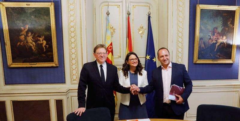 Ximo Puig (PSPV-PSOE), Mónica Oltra (Compromís) y Rubén Martínez Dalmau (Unides Podem-EU. EFE/Archivo
