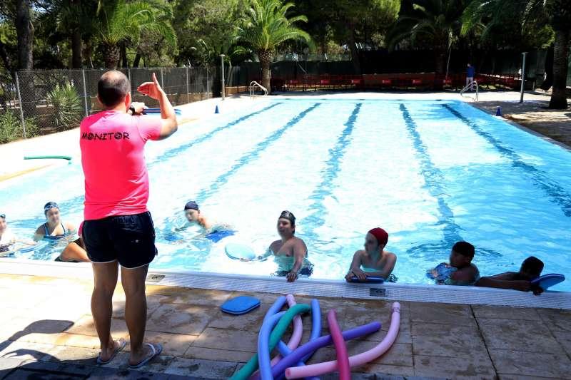 Actividades en una piscina de Torrent. EPDA