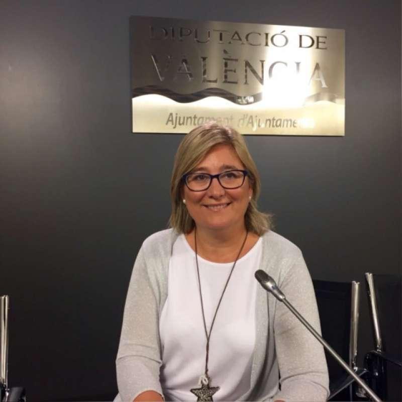 La diputada recrimina a PSPV y a Compromís favorecer a los municipios donde de gobiernan