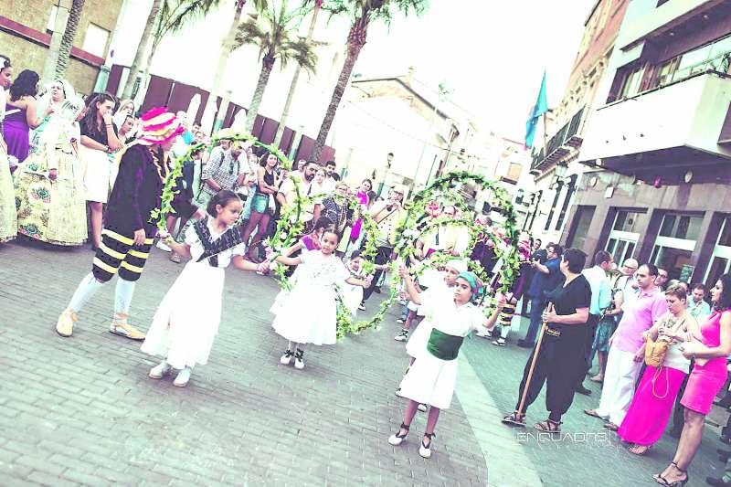 Balls processionals en Alcàsser. / Enquadre