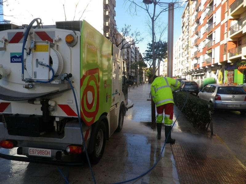 Servicio de limpieza viaria de Nemasa de Mislata. EPDA