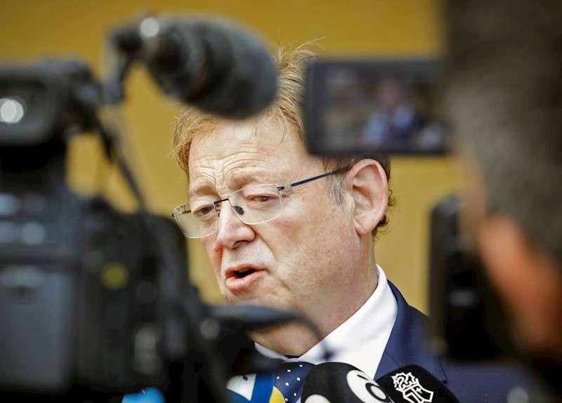 El presidente de la Generalitat Valenciana, Ximo Puig (c), en una imagen de archivo. EFE/ Elio Germani
