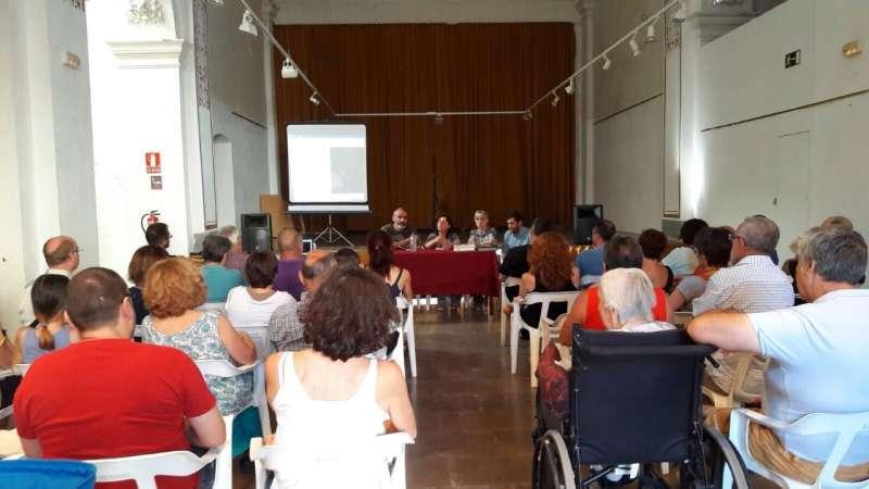 Asistentes al acto en la Casa de Cultura de Quart de les Valls. EPDA