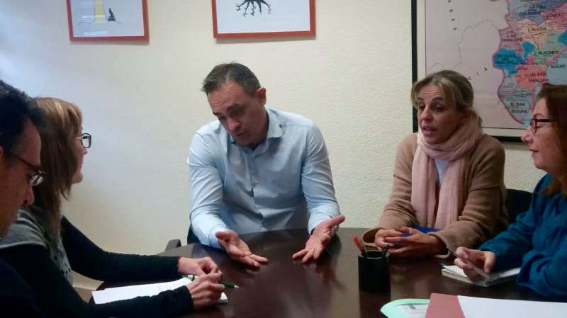 Santafosta durante la reunión en la conselleria de Educación. //EPDA