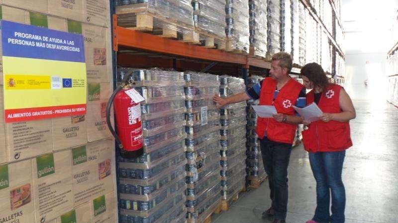 Almacén de Cruz Roja de productos de alimentación, en una imagen de la ONG.