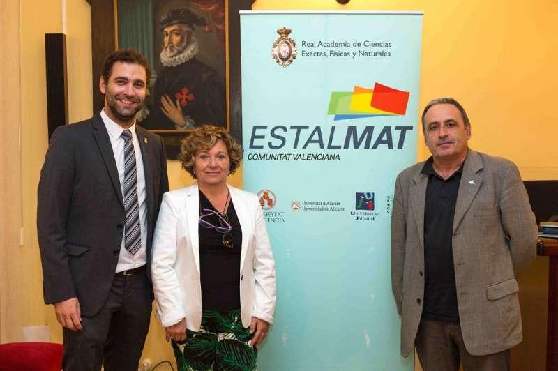 El alcalde y la concejala de Educación en el encuentro. EPDA