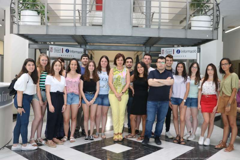Participantes del programa la Dipu Te Beca