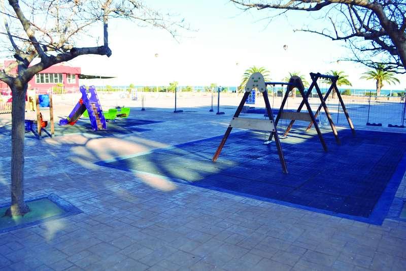 Juegos de la plaza de la Concordia de Port de Sagunt. EPDA