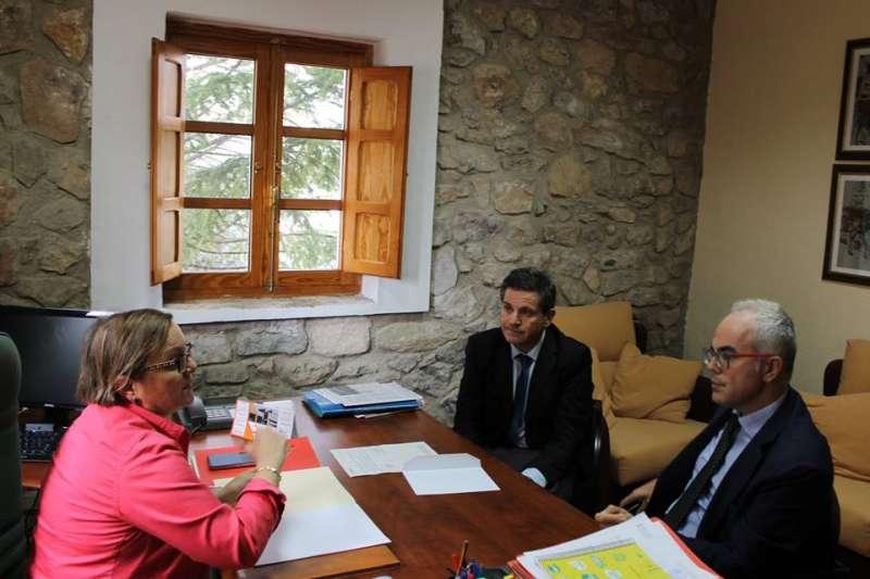 La alcaldesa reunida con los representantes de Bankia