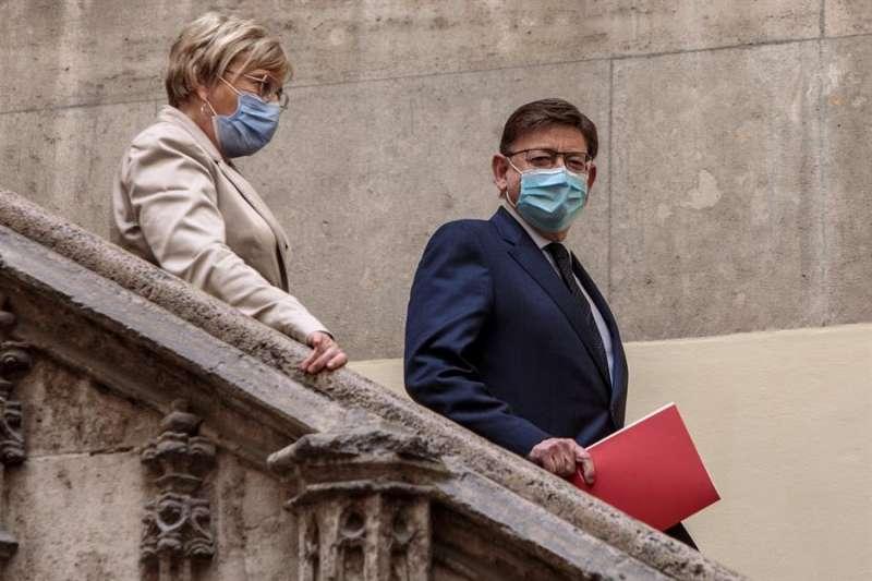 El president Ximo Puig y la consellera de Sanidad, Ana Barceló. EFE