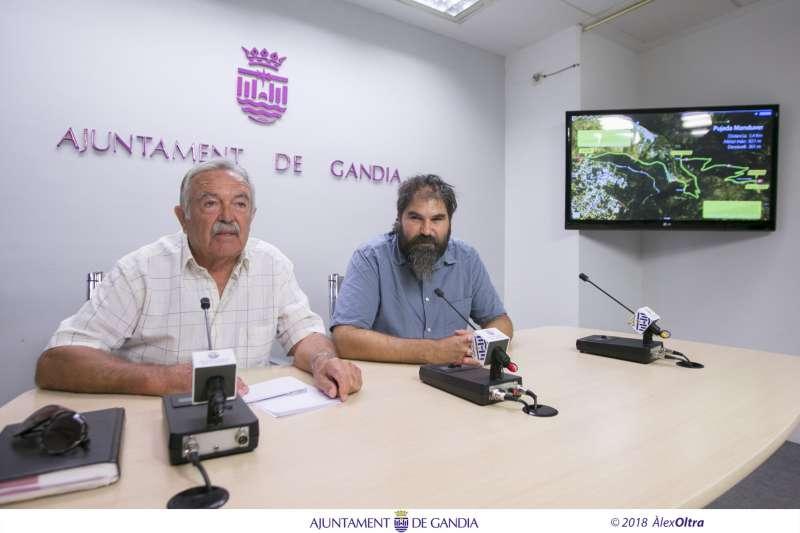 El regidor de Gestió Responsable del Territori, Xavi Ródenas,i elpresident l?associació Amics de la Natura de Marxuquera, Vicent Alonso. EPDA