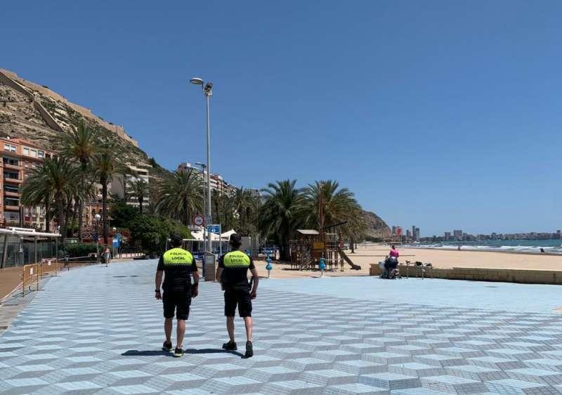 Agentes de policía local de Alicante