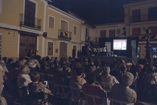 Asistentes a la conferencia taurina en Petrés. EPDA