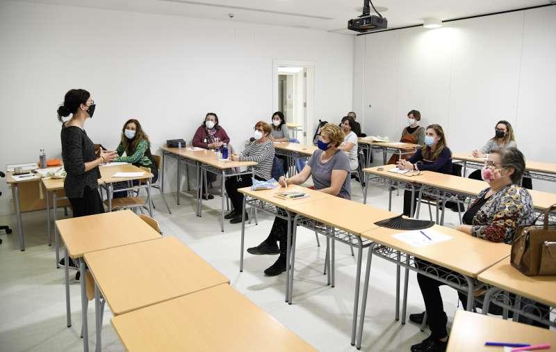Alumnes del Centre de Formació de Persones Adultes. EPDA