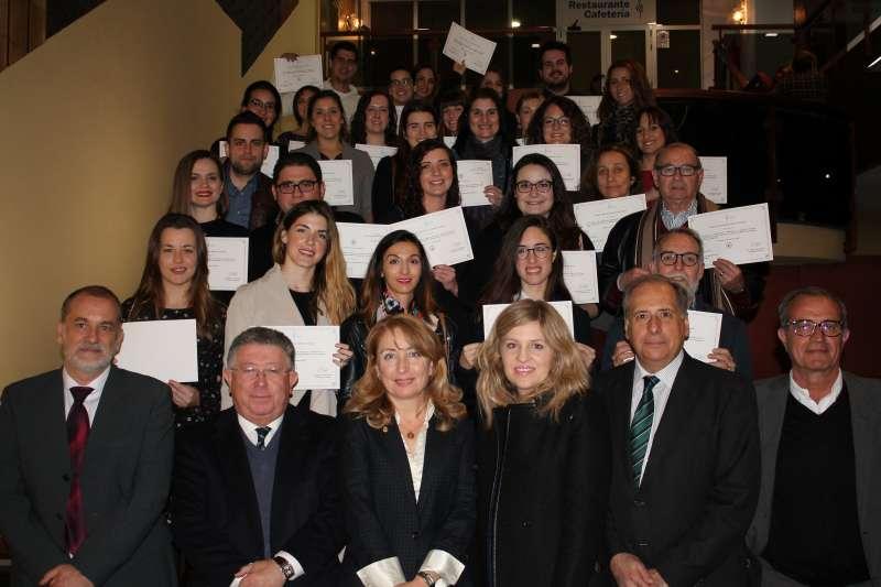 Los becados por el Colegio de Médicos de Valencia. FOTO EPDA