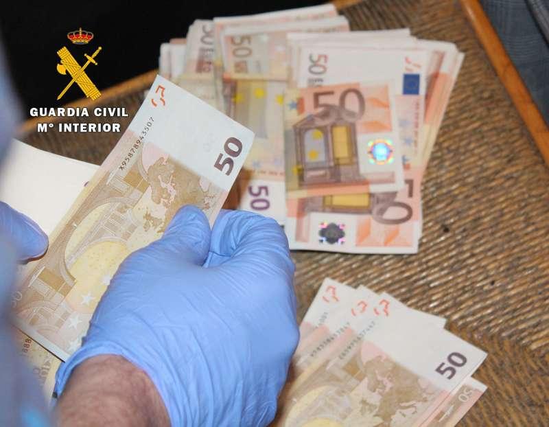 Dinero incautado por la Guardia Civil. EPDA
