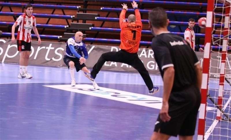 Nikcevic marca un tanto, en una imagen compartida en redes por el Benidorm. EFE.