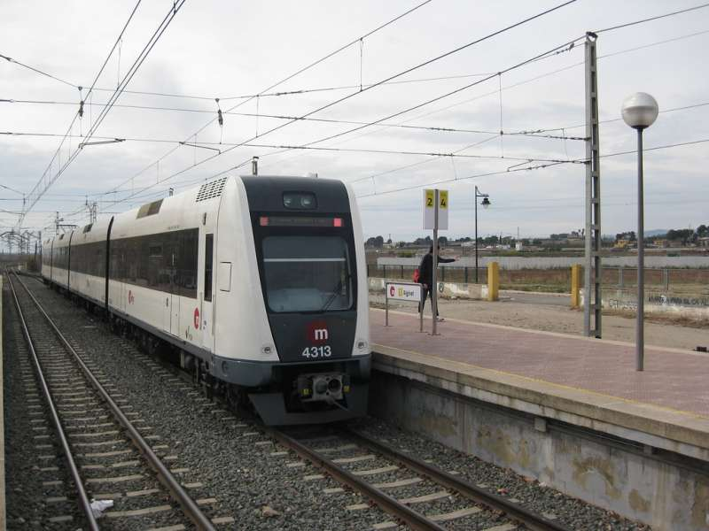Un tren de metrovalencia en Alginet. EPDA