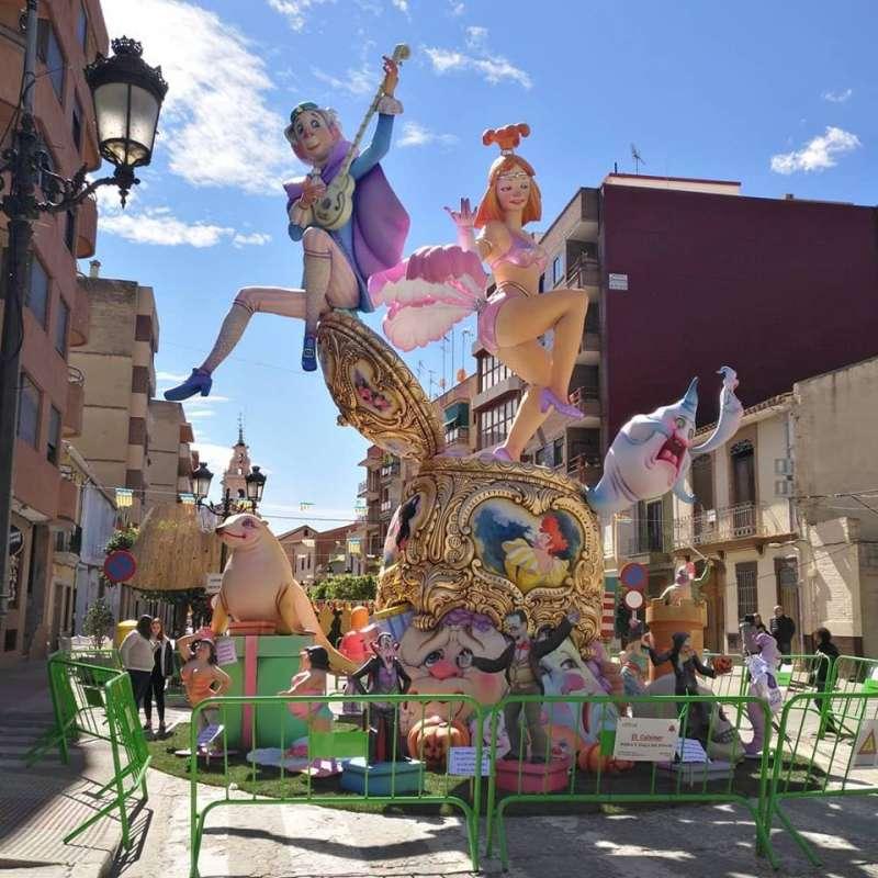 Falla La Tauleta ganadora en el monumento grande.