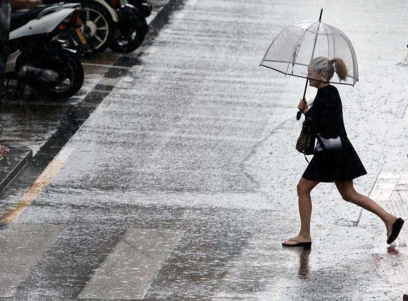 Imagen de archivo de lluvias en València. EFE