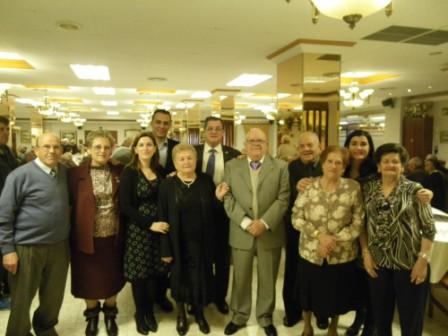 En la reunión se han dado cita más de 200 personas mayores. FOTO: EPDA