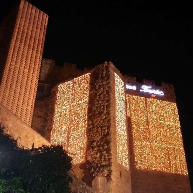 El Castillo de Requena, iluminado (archivo).