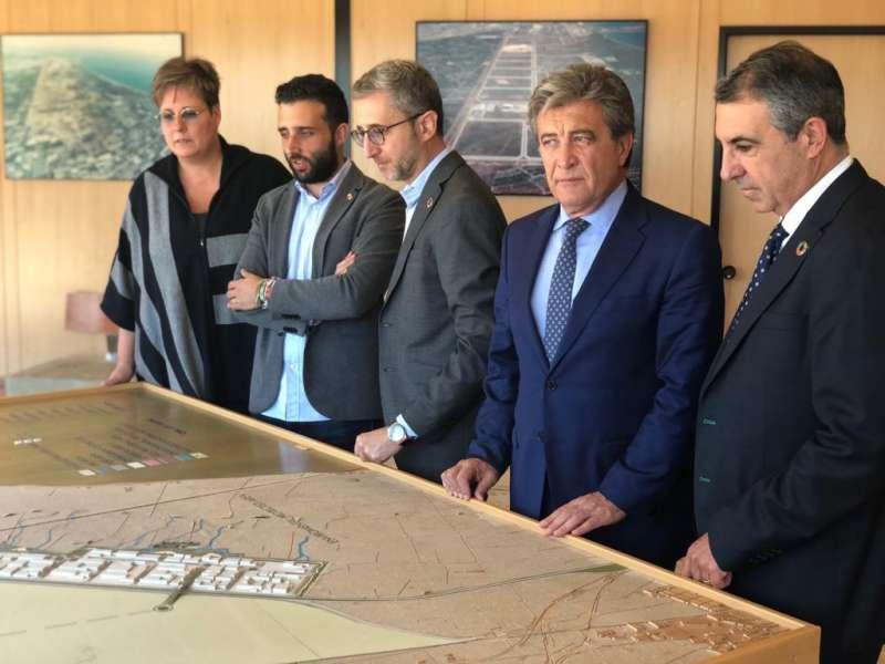 Visita de Arcadi España al parque empresarial Parc Sagunt. EPDA