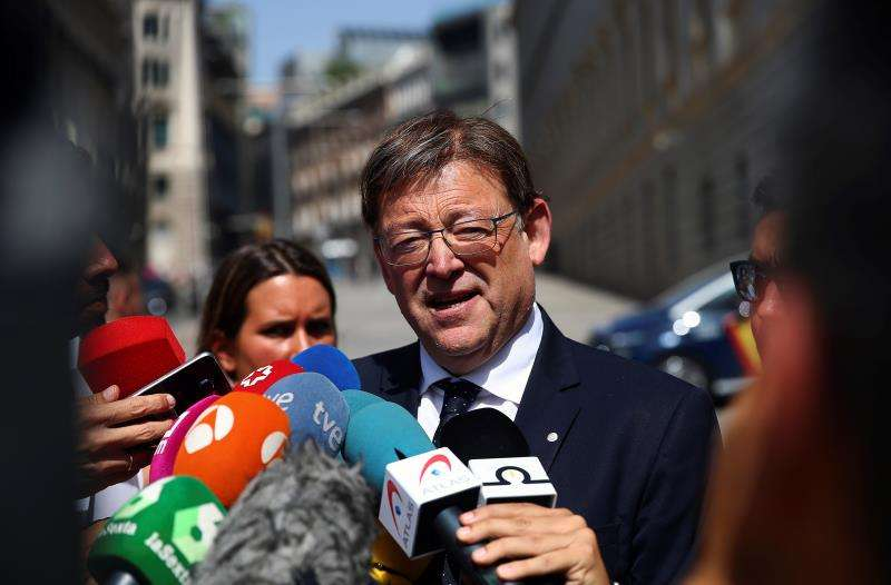 El president de la Generalitat, el socialista Ximo Puig, atiende a los medios. EFE