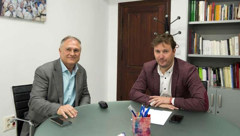 Andres Campos se reune con alcalde de Lliria