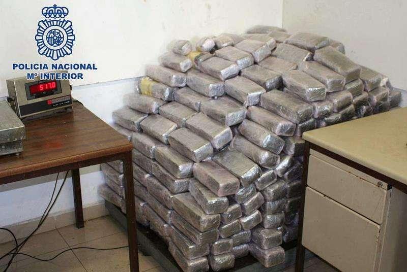 Fotografía de la Policía Nacional del material incautado en una operación contra el narcotráfico. EFE/Archivo
