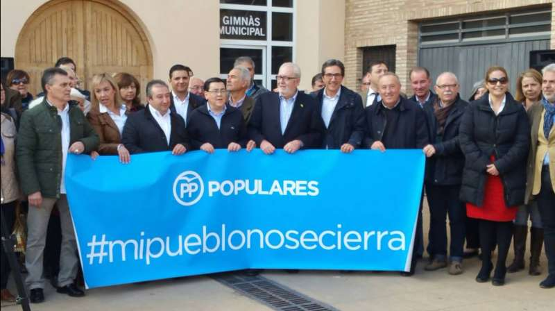 Concejales del PP de la comarca, cargos orgánicos  y vecinos se reunen en Emperador en defensa de los pueblos pequeños. EPDA