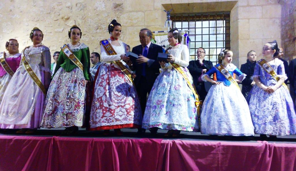 Las FFMM de Llíria junto a su corte y el alcalde de Llíria en la Crida