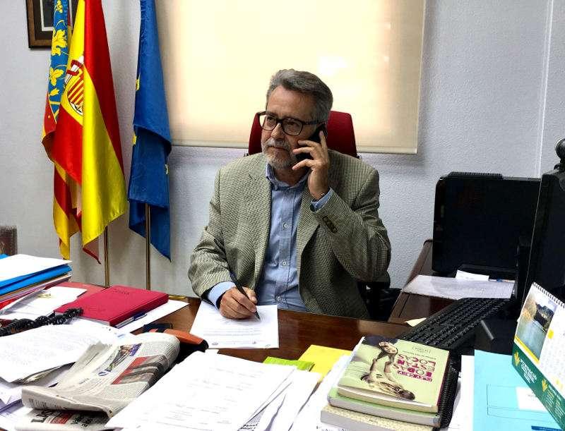 Alcalde de Albal, Ramón Marí, en su despacho. EPDA