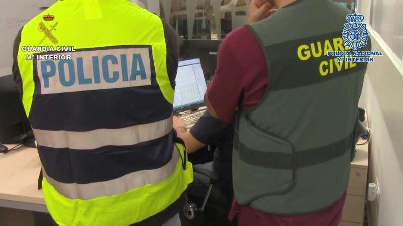 Agentes de la Policía Nacional y la Guardia Civil trabajando conjuntamente. EPDA