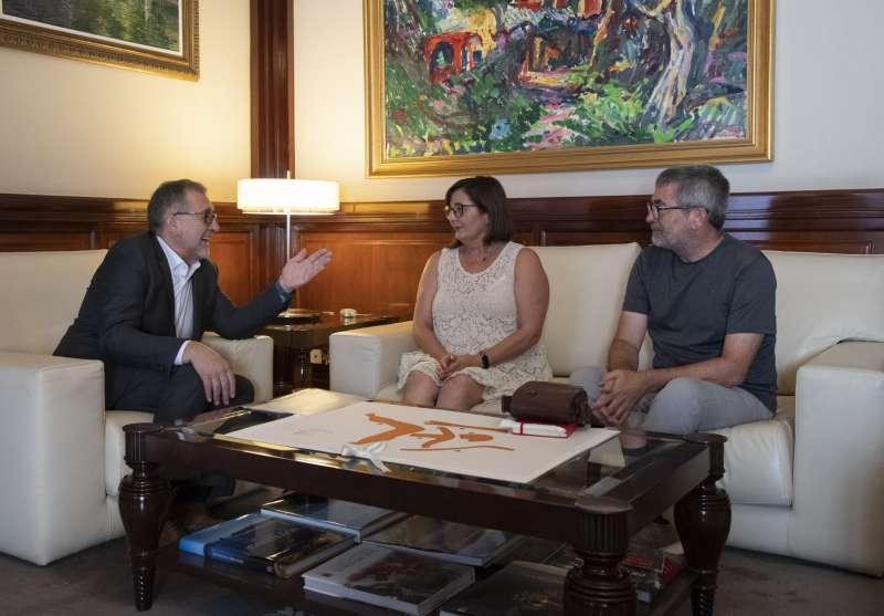 José Martí con Nieves Simón y Vicente Ferrer