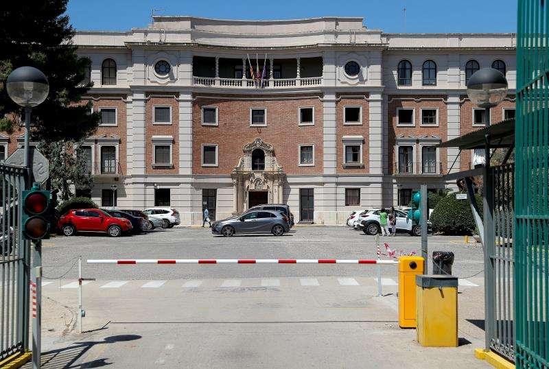 En la imagen, el acceso principal del instituto. EFE