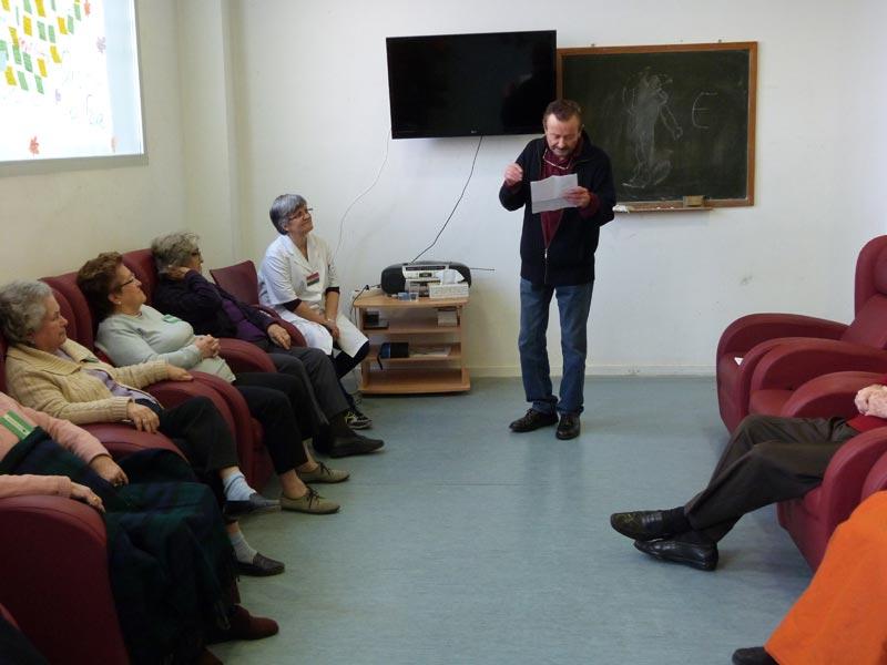 Juan Diego en plena lectura. FOTO EPDA