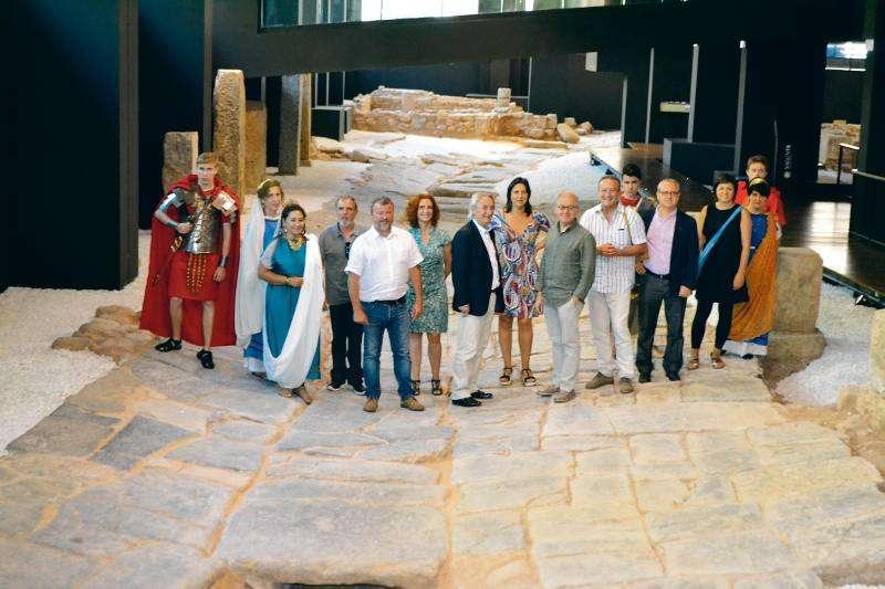 Presentación del festival de Sagunt a Escena en la Vía del Pórtico del núcleo histórico de Sagunto. EPDA