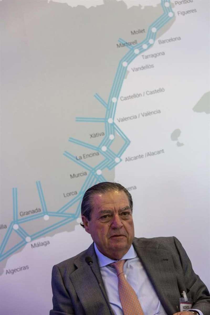 El presidente de la Asociación Valenciana de Empresarios (AVE), Vicente Boluda, durante la presentación del chequeo semestral sobre el Corredor ferroviario Mediterráneo. EFE/Gustavo Grillo